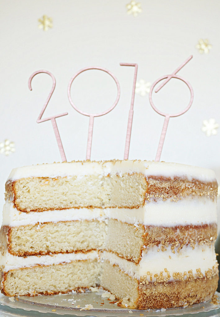 This Champagne Cake is the perfect make ahead cake to ring in the New Year (and to impress your guests)! I had so, so much fun making this cake … www.bakingforfriends.com