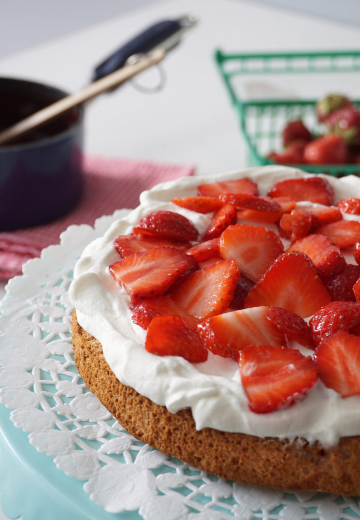 Angel Food Cake with Strawberries & Maple Syrup Chocolate Sauce